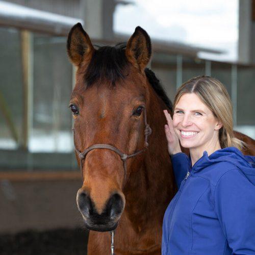 tierarzt-pferd-pferdepraxis_muenchen-bayern-julia-engels-wittschorek-01